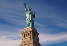 Статуя свободы Нью-Йорк на солнечный день Стоковые Изображения