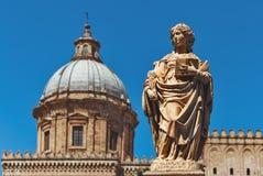 Статуя Святого Olivia в Палермо - Италии стоковое фото rf