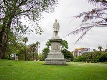 Статуя серого цвета Джордж на парке Альберта, Окленде, Новой Зеландии Стоковая Фотография RF
