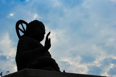 статуя силуэта Будды Стоковые Изображения