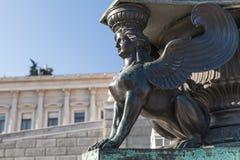 Статуя сфинкса Украшение старого уличного фонаря Стоковое Изображение