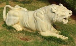 Статуя тигра реветь Стоковое Фото