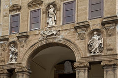 статуя фасада церков Стоковое Фото