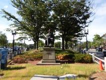 Статуя Чарльза Sumner, квадрат Гарварда, Кембридж, Массачусетс, США Стоковое Изображение