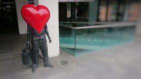 Статуя человека влюбленности стоковые изображения rf
