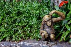 Статуя шимпанзе Стоковые Фотографии RF