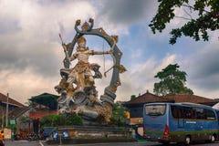 Статуя Arjuna в Ubud, Бали, Индонезии стоковые изображения rf