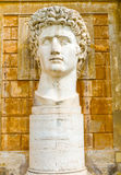 Статуя Augustus в музее Ватикана стоковое изображение