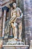 Статуя Bartholomew апостол внутри собора милана, Италии Стоковая Фотография