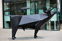 Статуя Bull на Месте короля, Лондоне Стоковые Фотографии RF