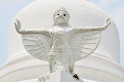 Статуя Garuda изображения Wat Phra Mahathat Woramahawihan Стоковые Фотографии RF