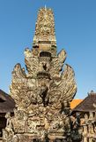 Статуя Garuda на виске Batuan, Ubud, Бали Индонезии стоковые фото
