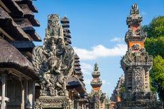 Статуя Garuda на виске Taman Ayun, ориентир ориентире острова Бали, Ind Стоковые Фото
