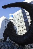 Статуя Godzilla в Hibiya стоковые фотографии rf