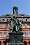 Статуя Grimm брата в Hanau Стоковые Изображения