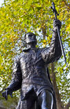 Статуя Laurence Olivier в Лондоне стоковые фотографии rf