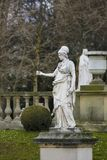 Статуя Minerva в Jardin du Люксембурге, Париже, Франции стоковые фото