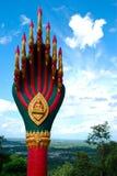 Статуя Naga na górze лестницы Стоковые Фото