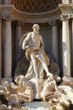 Статуя Oceanus известного фонтана Trevi в Риме стоковая фотография