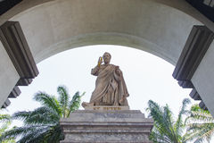 Статуя oudoor базилики St Peter стоковое фото