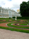 Статуя Peterburg Святого Pushkin дворца selo Tsarskoye стоковые фотографии rf
