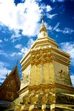 Статуя Phra Thart Jom Khitti стоковые фото