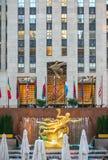 Статуя Prometheus в центре Рокефеллер в Нью-Йорке Стоковые Фото