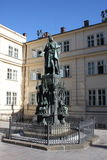 Статуя Quarto короля Чарльза IV Karolo около Карлова моста в Праге Стоковые Фото
