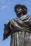 Статуя Rammohun Рой раджи и собор Бристоля стоковые фотографии rf