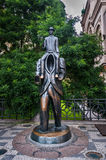 Статуя ` s Франц Кафка в Праге Прага бронзирует статую писателя Франц Кафка, от скульптора Jaroslav Rona Стоковое фото RF