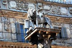 Статуя ` s льва, Верона, Италия Стоковое Изображение RF