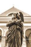Статуя ` s St. John перед базиликой собора ` s St. John Стоковые Фото