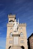 статуя san marino вольности стоковое изображение
