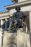 Статуя Velazquez перед музеем Prado в городе Мадрида, Испании стоковая фотография