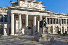 Статуя Velazquez перед музеем Prado в городе Мадрида, Испании стоковое изображение rf