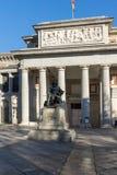 Статуя Velazquez перед музеем Prado в городе Мадрида, Испании стоковая фотография rf