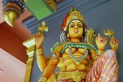 статуя vishnu, в индийском виске стоковые фото