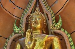Статуя Wat Tham Sua Kanchanaburi Будды стоковое изображение rf