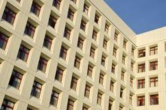 стационар здания фона много окон Стоковые Фотографии RF