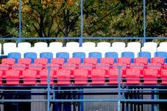 Стадион трибуны с много мест цвета Стоковое Фото