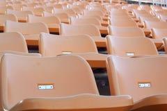 Стадион усаживает для посетителей некоторые спорт или футбол стоковые фото