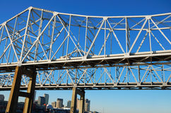Стальная река Миссисипи креста моста Стоковые Фотографии RF