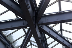 Стальная структура в дожде Стоковые Изображения RF