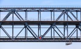 Стальная часть моста ферменной конструкции с 2 уровнями Стоковые Фотографии RF
