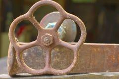 Стальной ржавый клапан Стоковые Фотографии RF