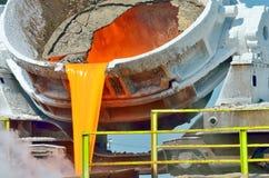 Стальные ведра для того чтобы транспортировать расплавленный метал Стоковая Фотография RF