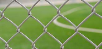 Стальные футбол/футбольное поле клетки стоковая фотография rf