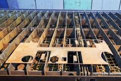 Сталь с вырезами на пути гида автомата для резки Стоковое Изображение