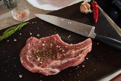 Стейки поясницы свинины стоковые фотографии rf