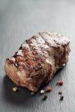 Стейк говядины от части entrecote на доске шифера Стоковые Изображения RF